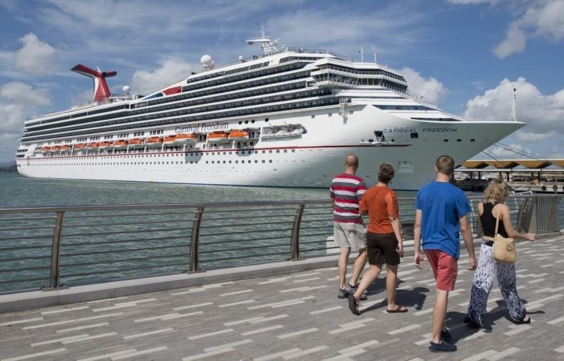 Carnival Freedom cruiseship