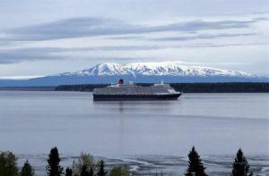 Queen Elizabeth ship